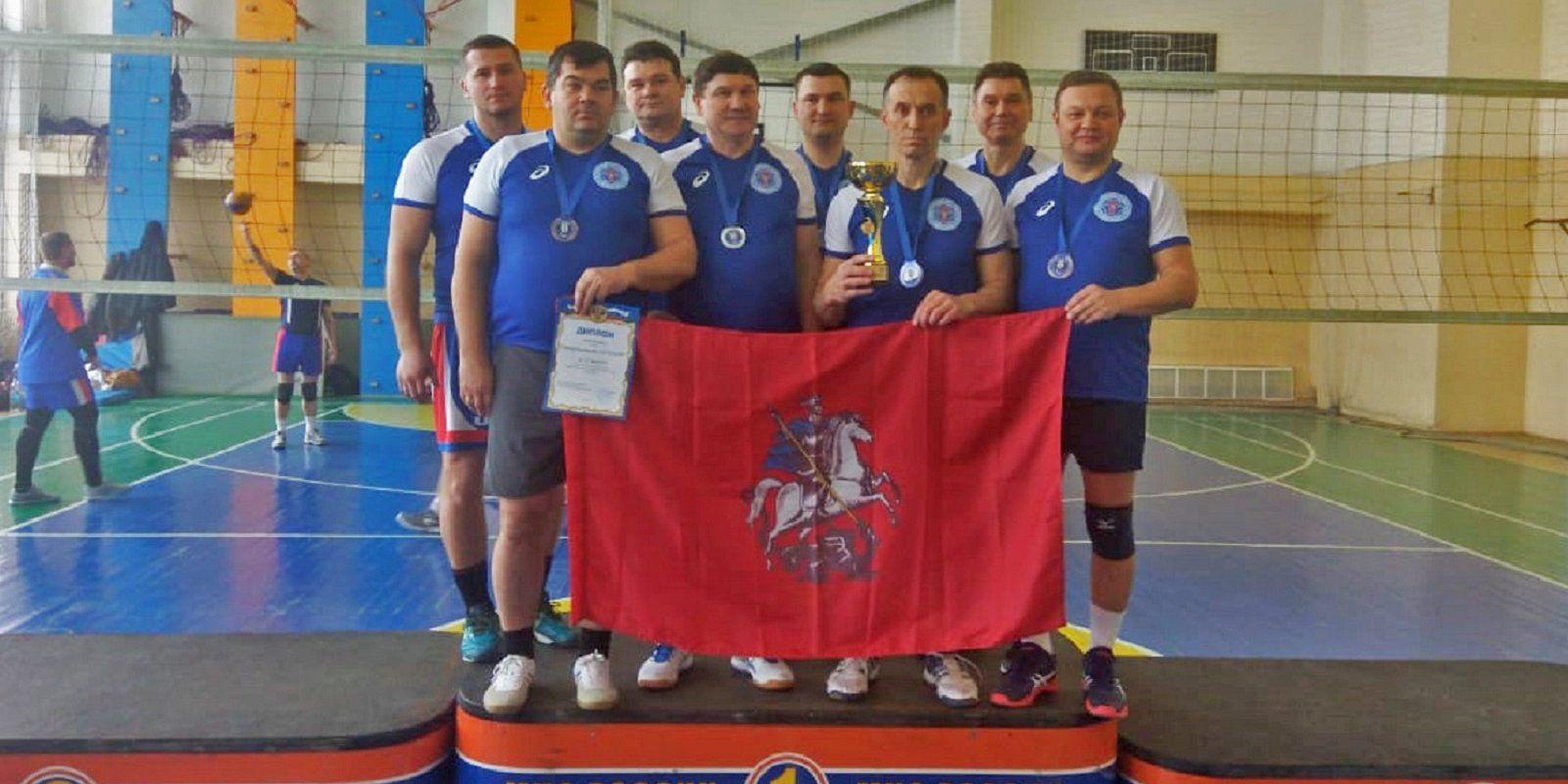 Московские спасатели завоевали «серебро» на турнире по волейболу