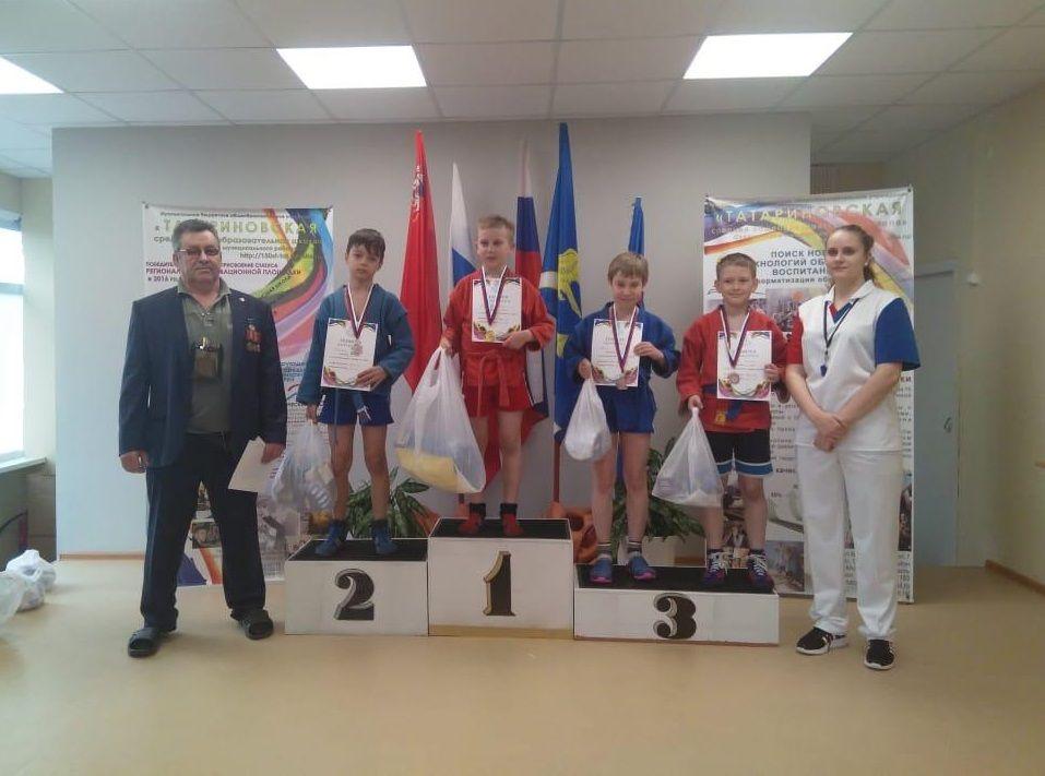 Призерами турнира по самбо стали ребята из Вороновского