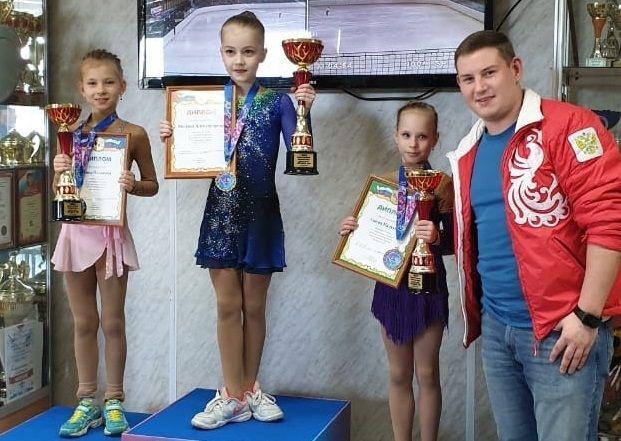 Фигуристка из Щербинки стала призером открытого первенства