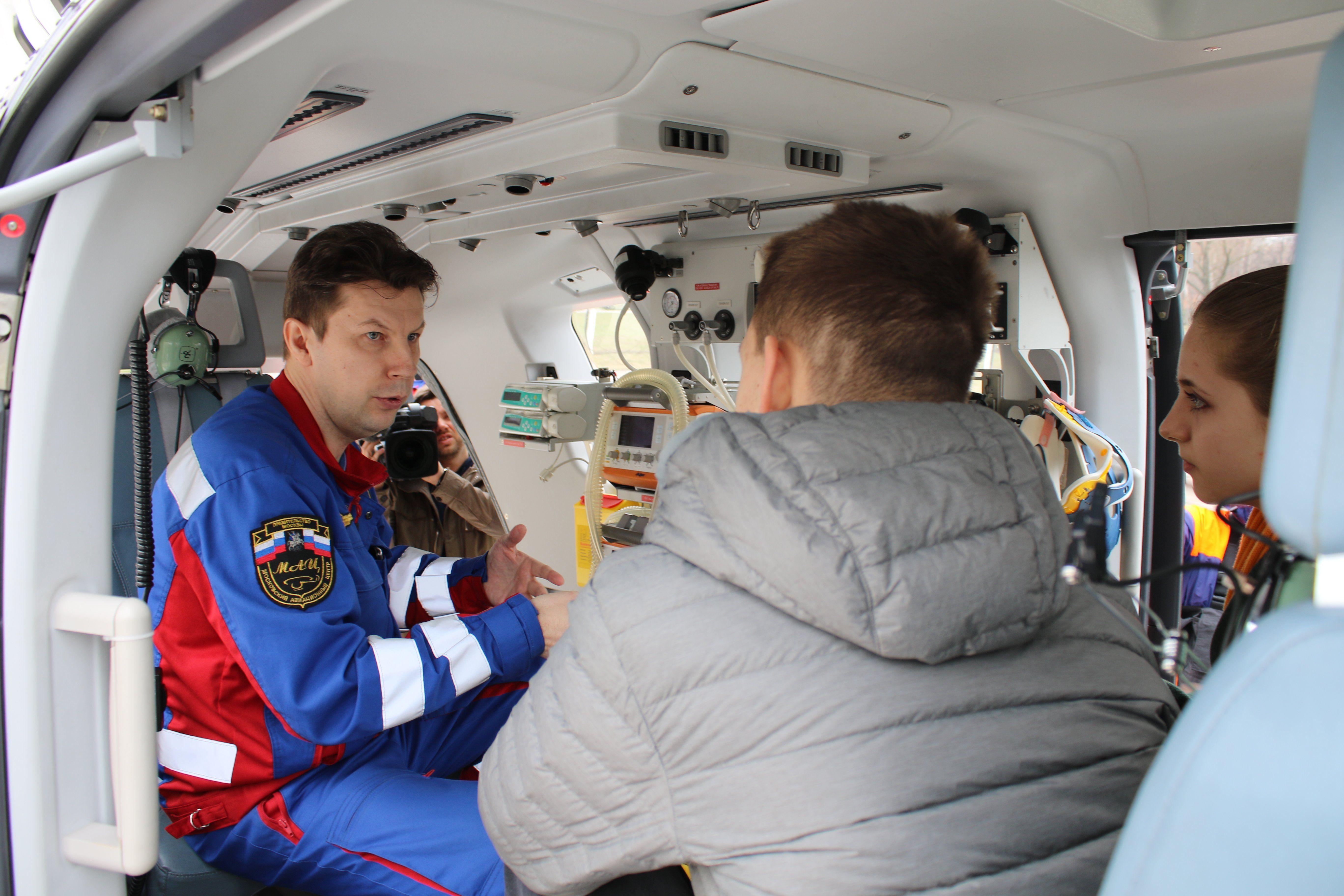Школьник-герой Богдан Рудик встретился с работниками Московского Авицентра