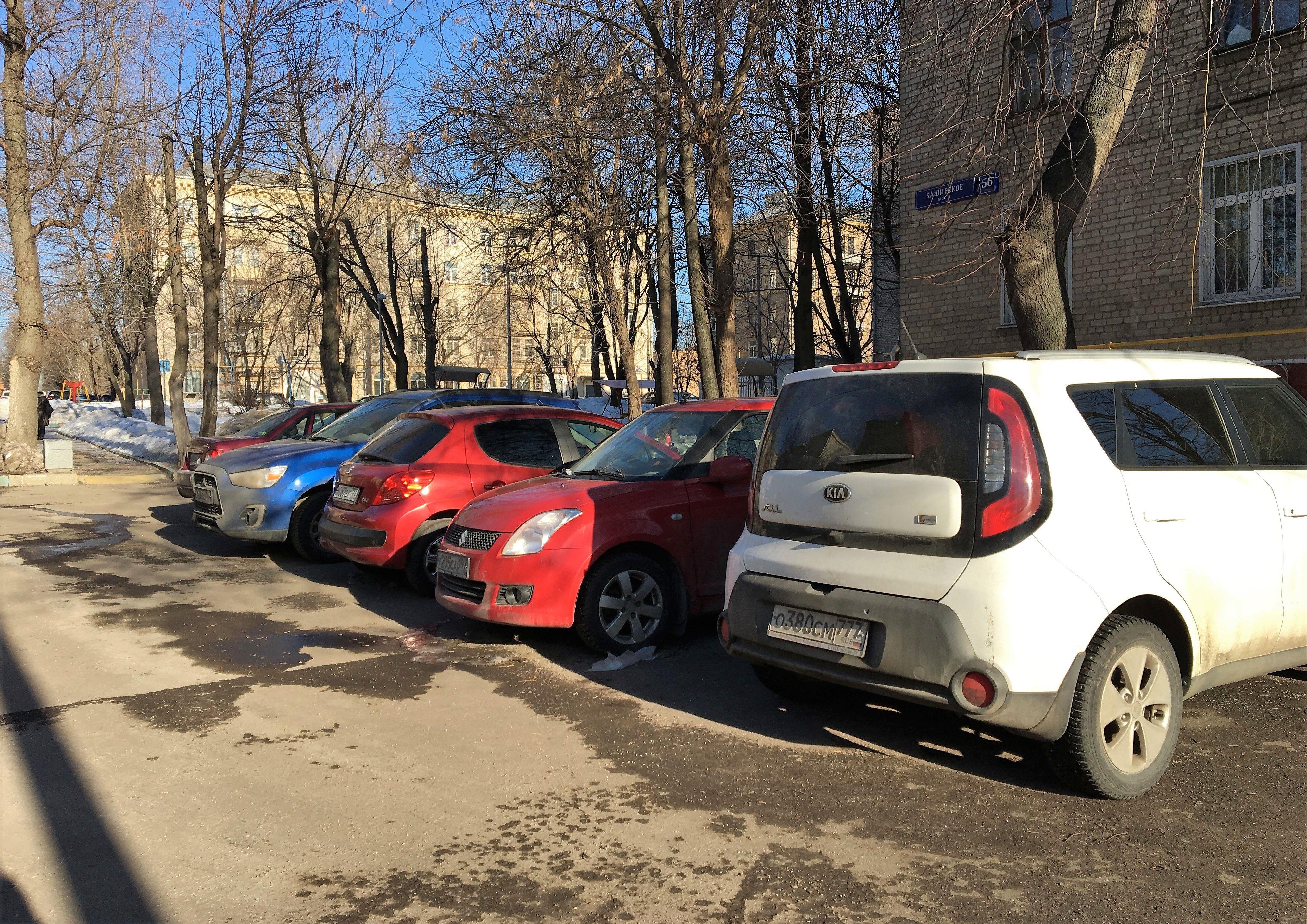 Новую парковку оборудуют в Десеновском