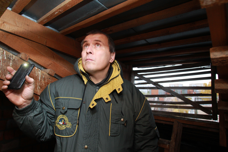 Итоги рейдов подвалов и чердаков в домах подвели в Роговском. Фото: Наталия Нечаева, «Вечерняя Москва»