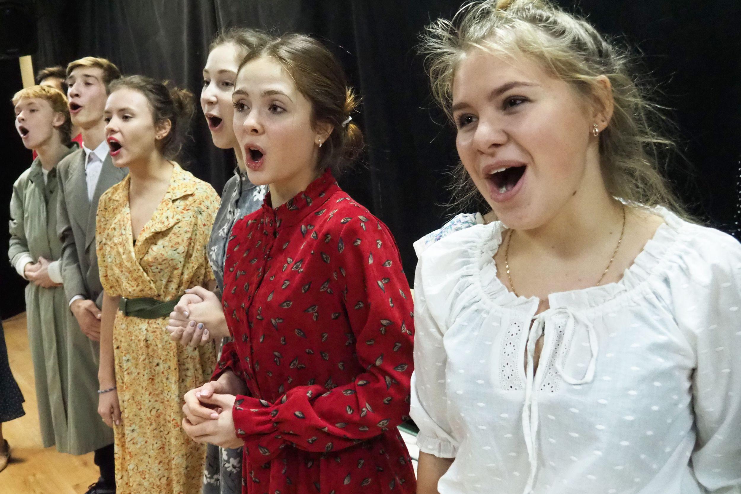 День театра отметят в Роговском