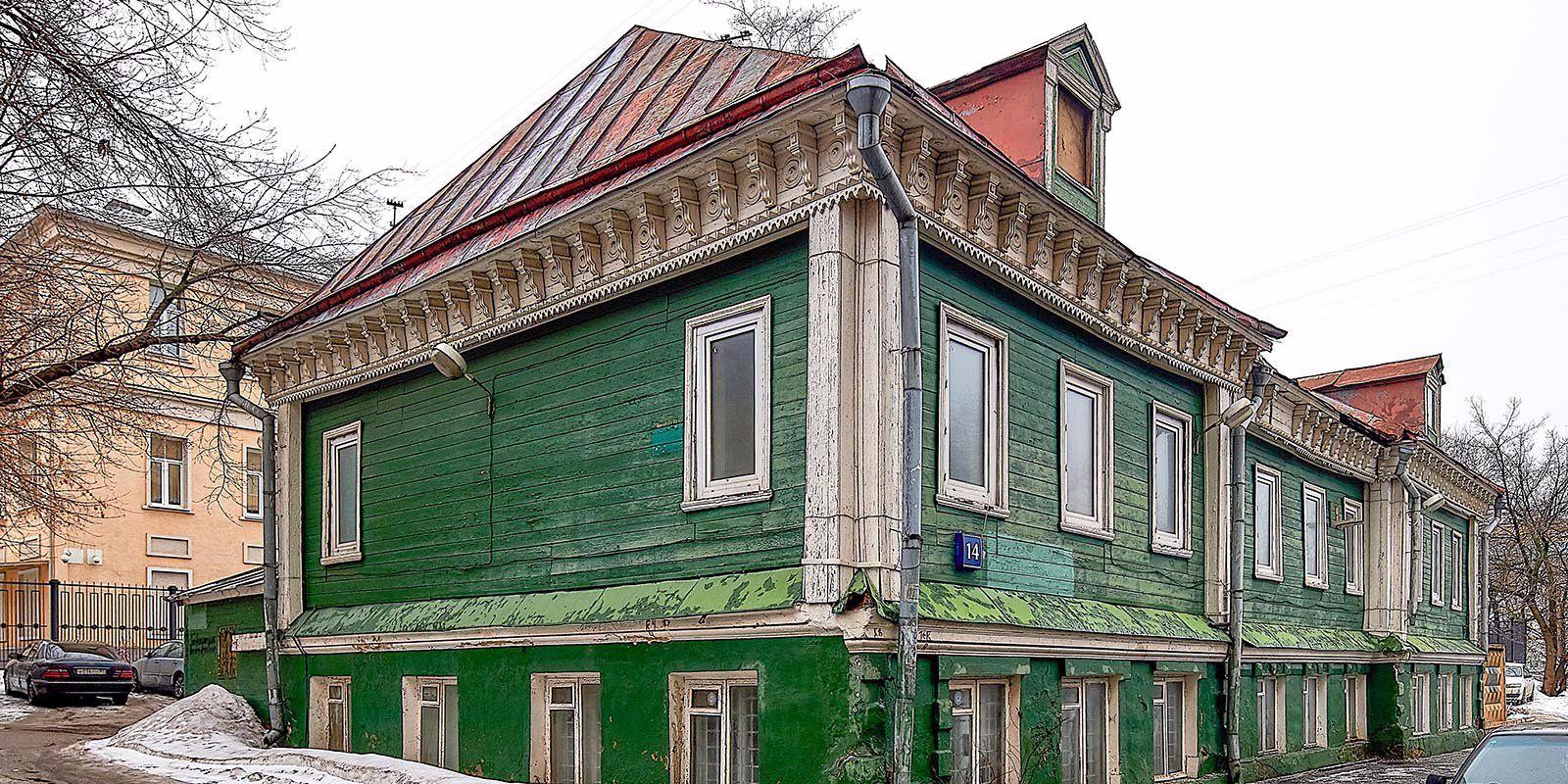 Власти Москвы признали зеленый дом с кокошником памятником архитектуры
