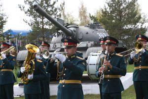 4 мая 2019 года. Марушкинское. На торжественный митинг у мемориального комплекса в Крекшине. Фото: Виктор Хабаров