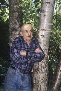 1994 год. Булат Шалвович в Переделкине. Фото: Сергей Субботин / РИА Новости