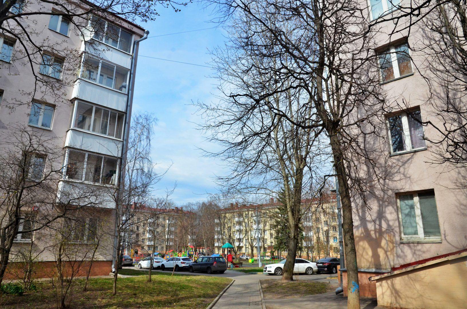 Почти 1,7 тысячи парковок создали в жилых домах Новой Москвы. Фото: Анна Быкова