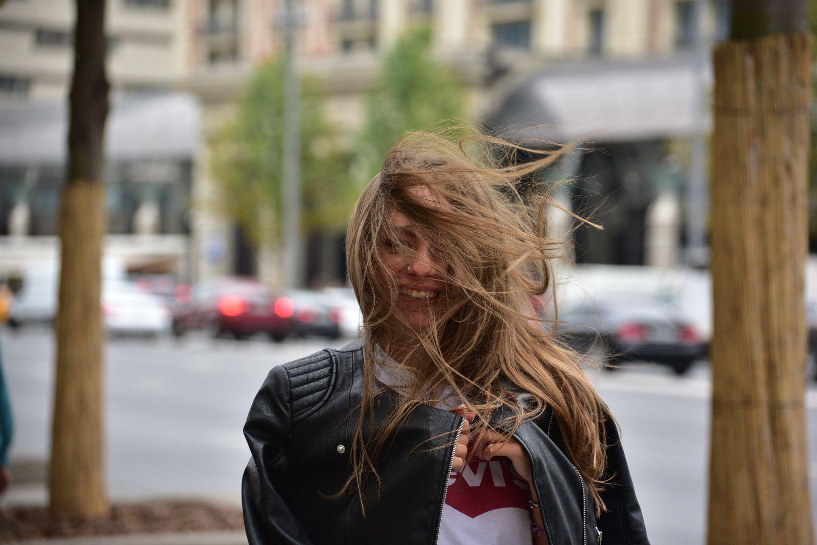 Москвичам пообещали шквалистый ветер в четверг