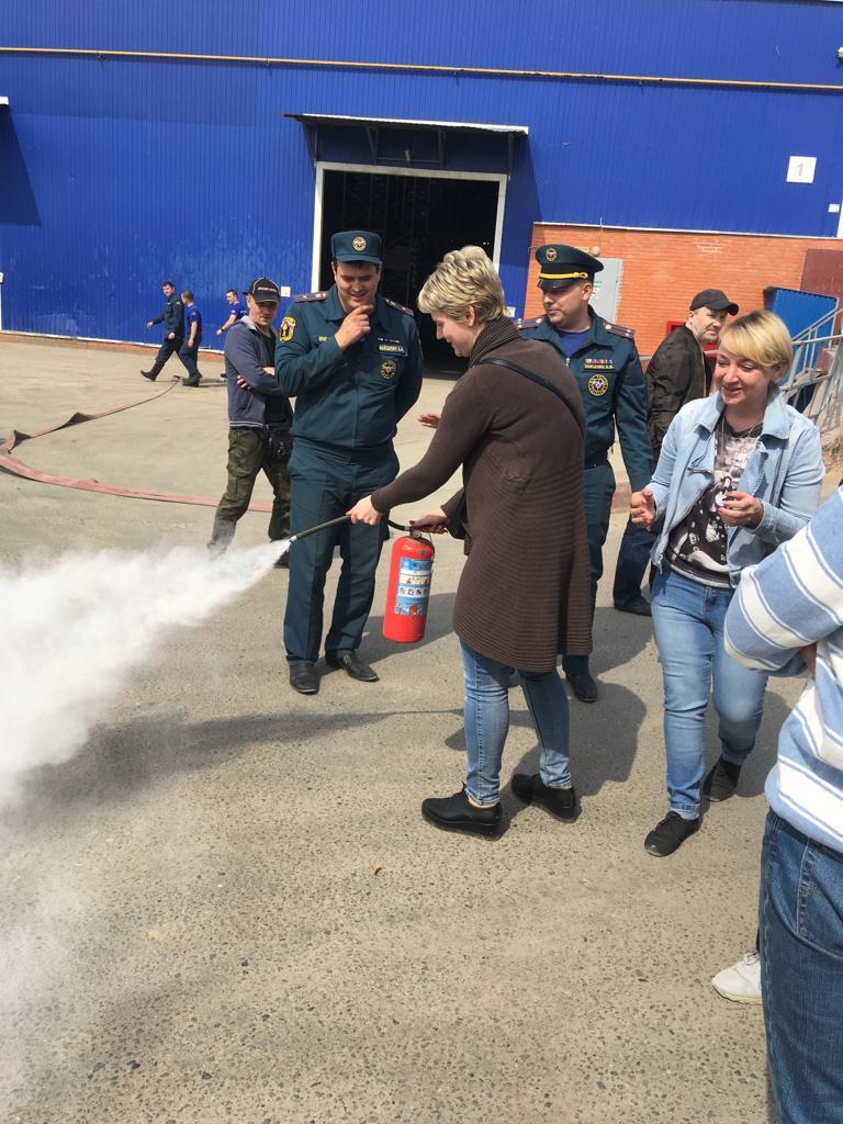 Пожарно-тактические учения провели огнеборцы Новой Москвы