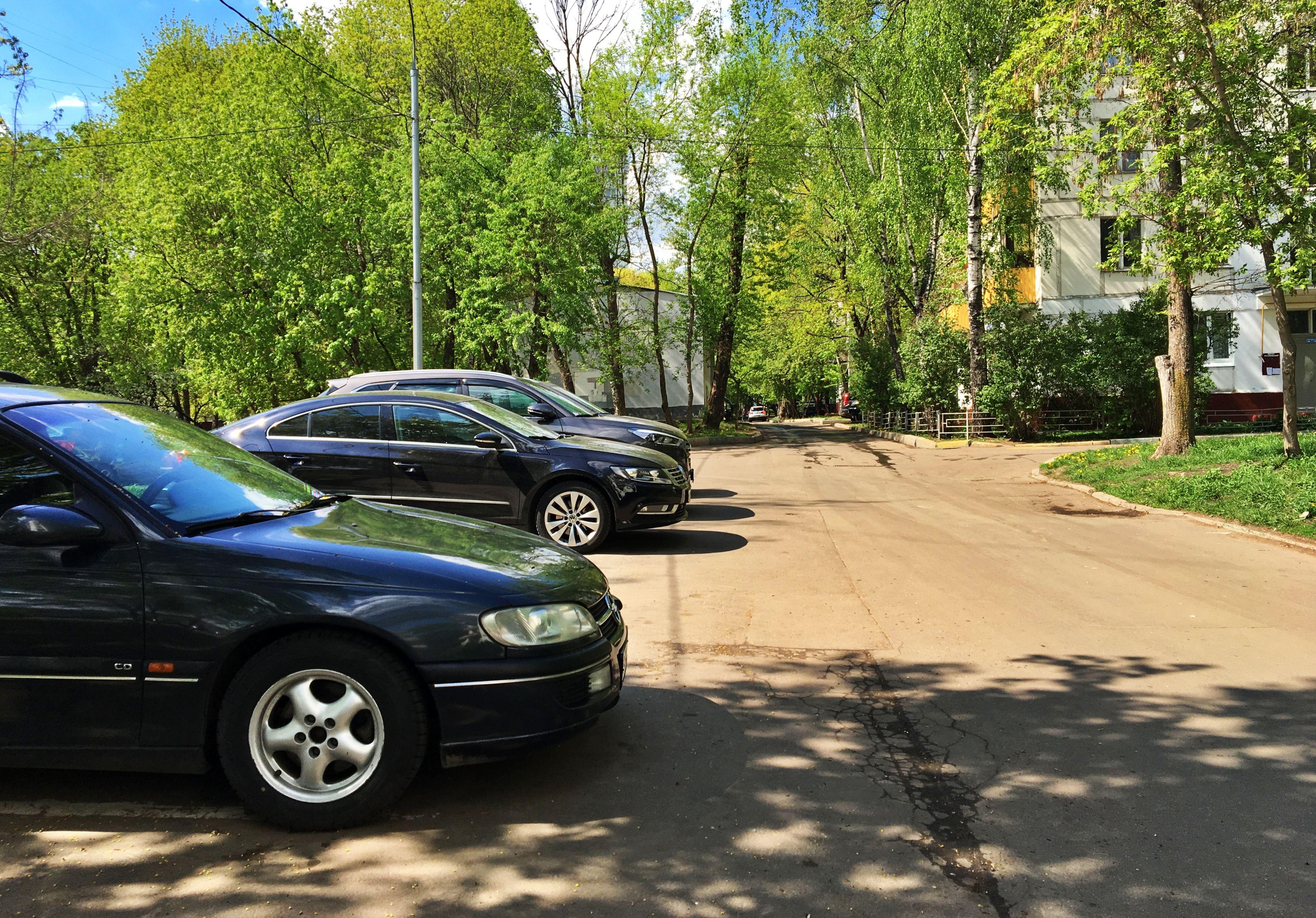 Новые парковки оборудуют в Десеновском