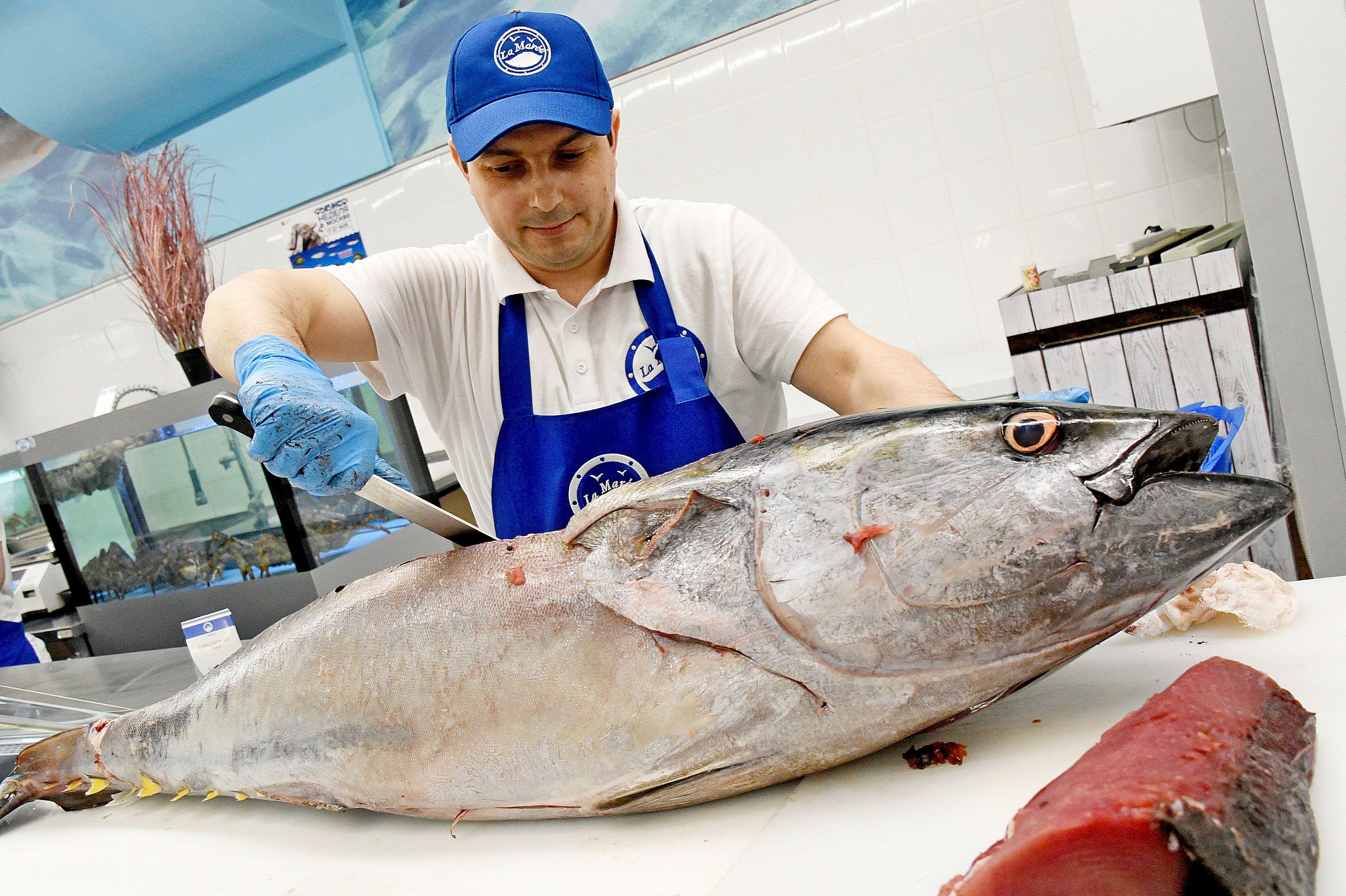 Фестиваль «Рыбная неделя» накормит москвичей колбасой из африканского сома