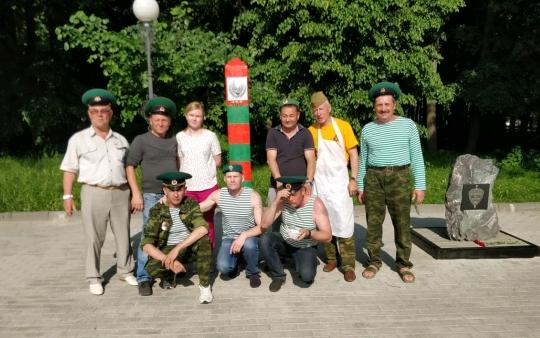 Жители Марушкинского посетили концерт по случаю Дня пограничника