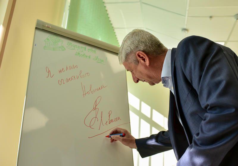 Левкин: Выгодоприобретателями от реновации будут все жители района. Фото: Александр Кожохин, «Вечерняя Москва»