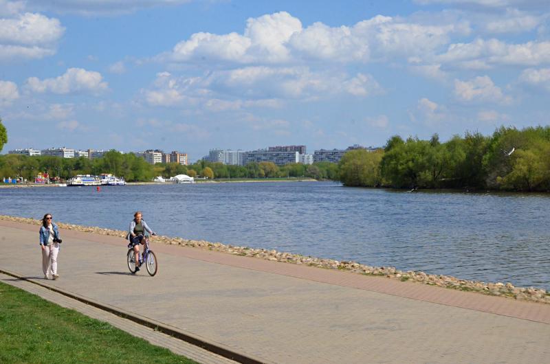 Синоптики спрогнозировали в столице теплую солнечную погоду