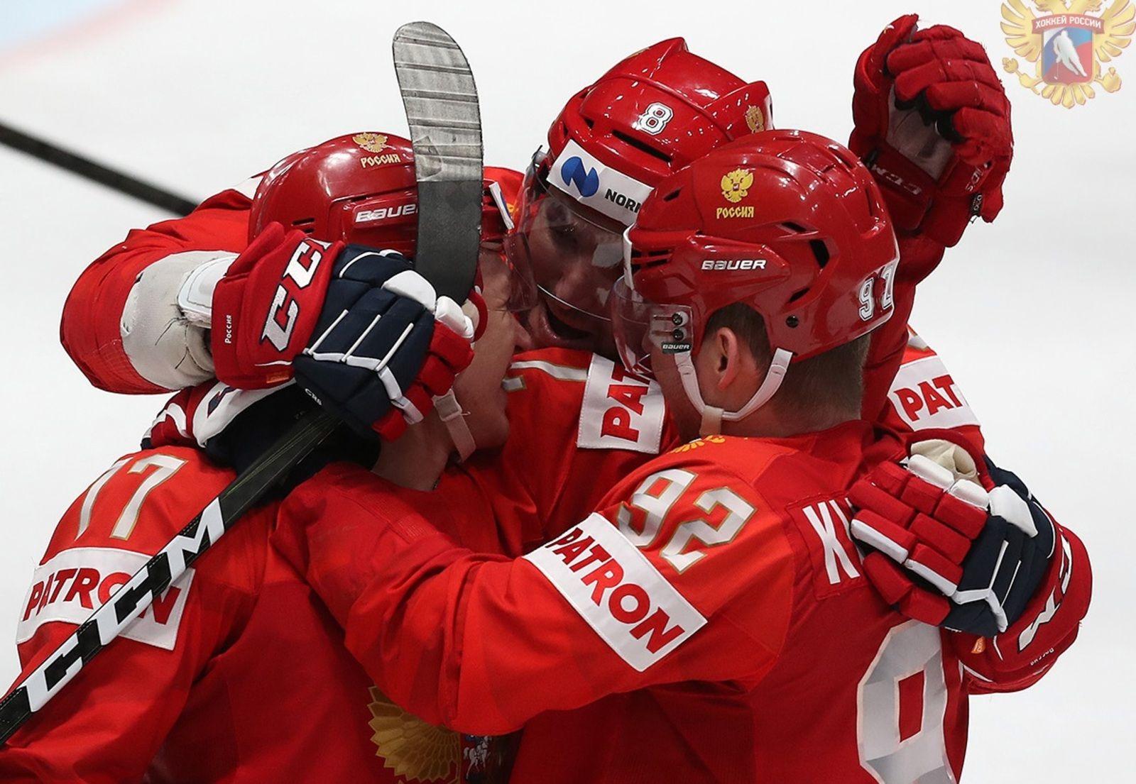 Москвичи посмотрят трансляцию финала чемпионата мира по хоккею в столичных ресторанах