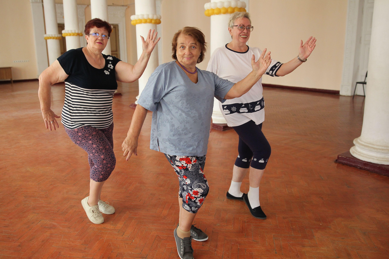 Время танцев и фестивалей