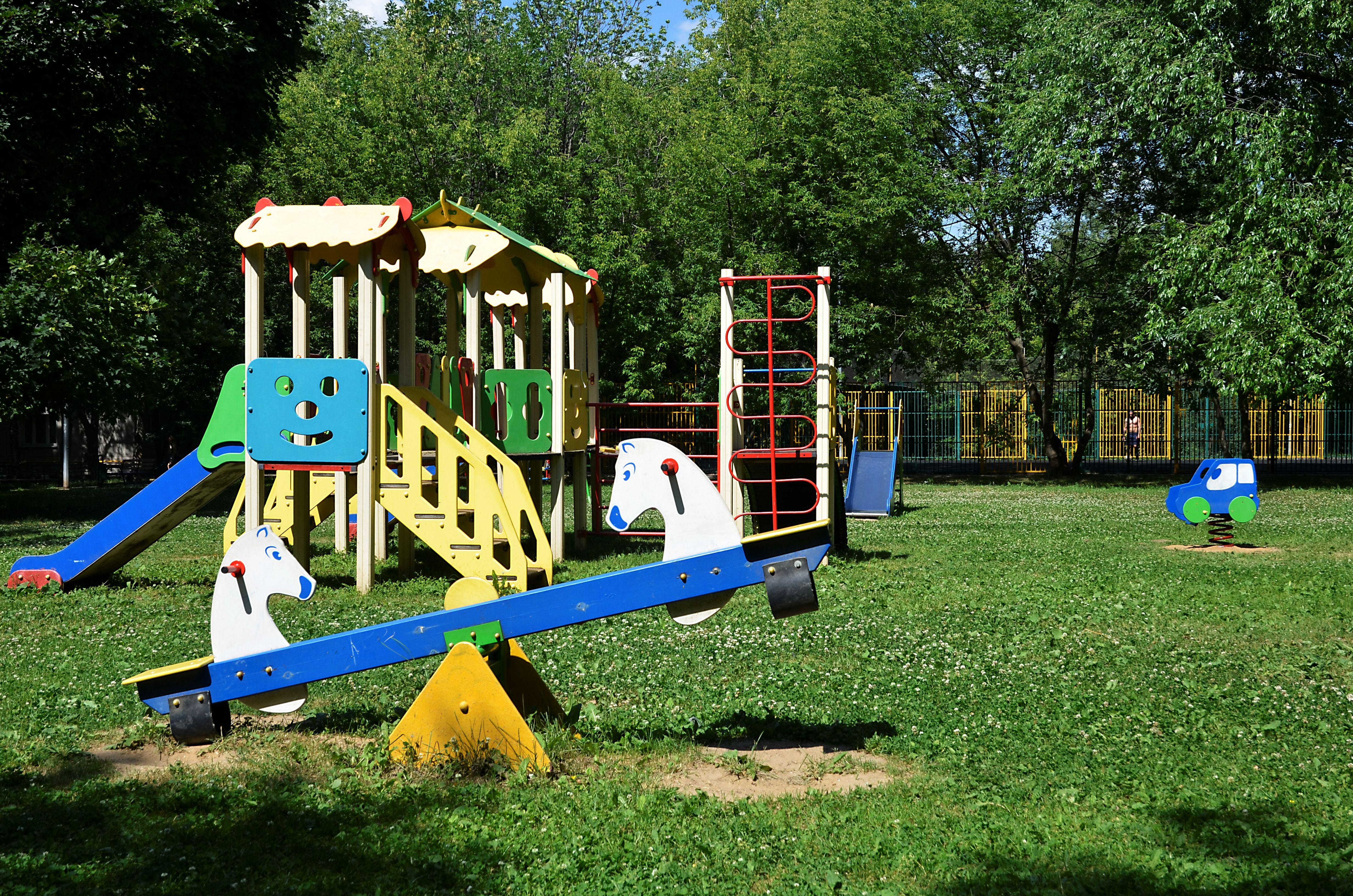 Две детские площадки оборудовали в Новофедоровском