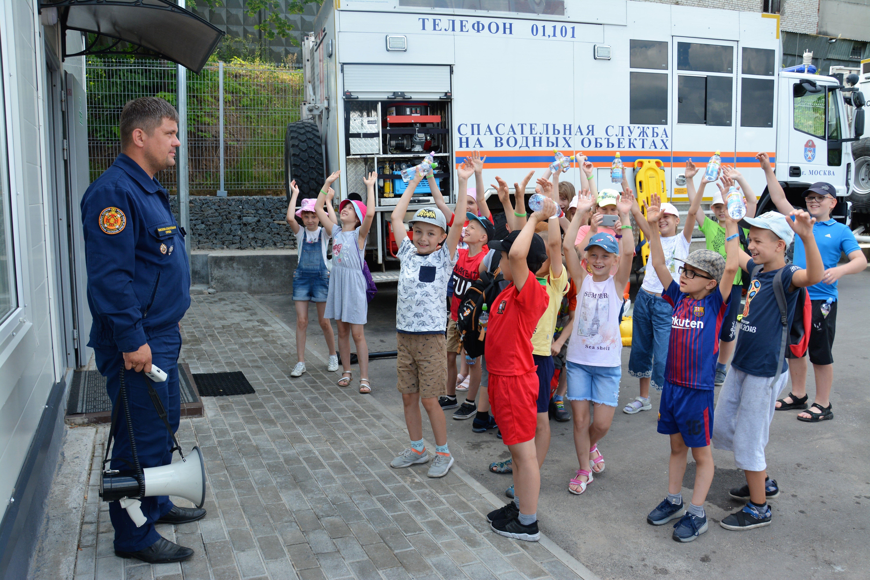 Проведем лето безопасно с московскими спасателями!