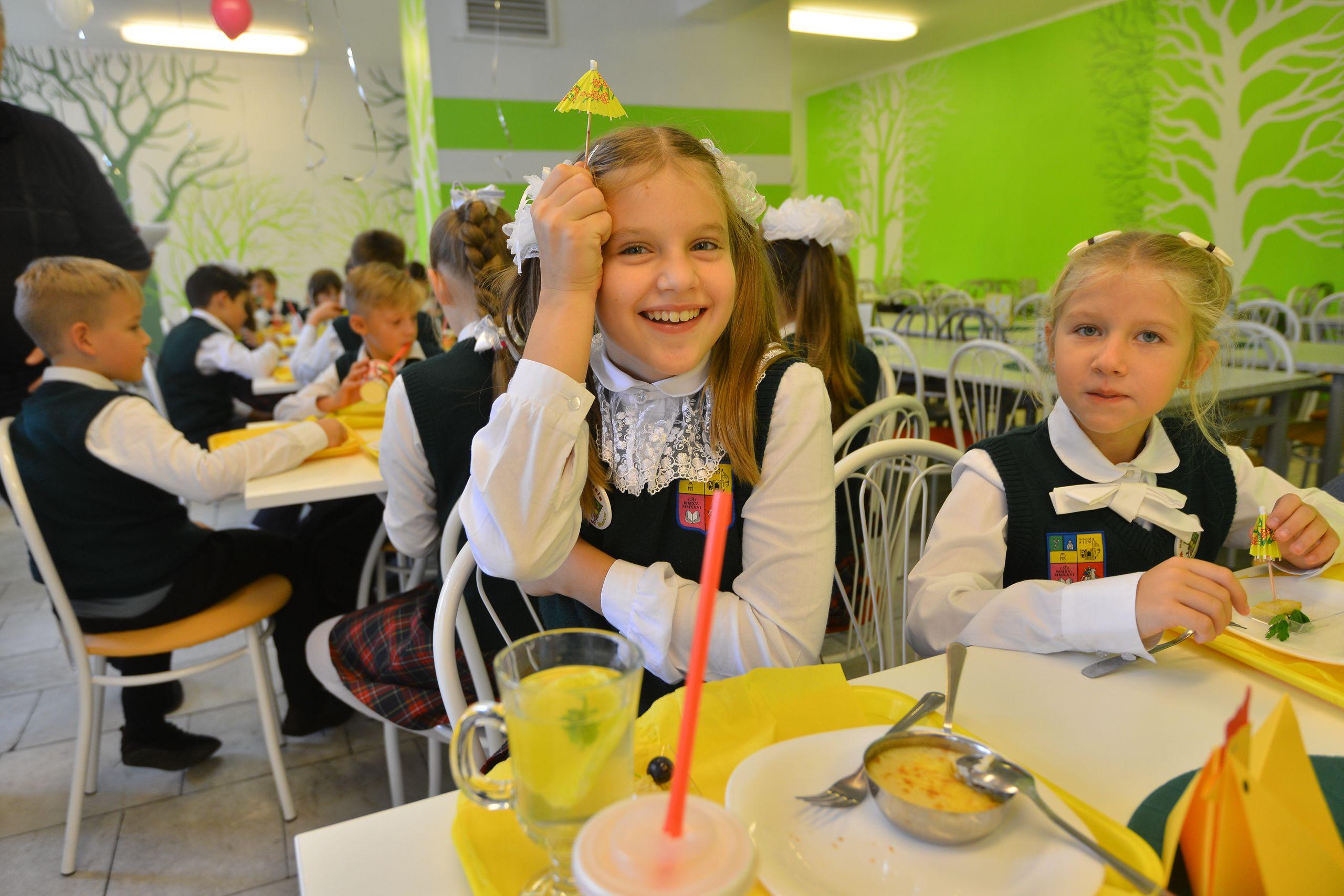 Проект «Мой школьный ресторан» действует в столице с 2013 года. Фото: Наталья Феоктистова, «Вечерняя Москва»