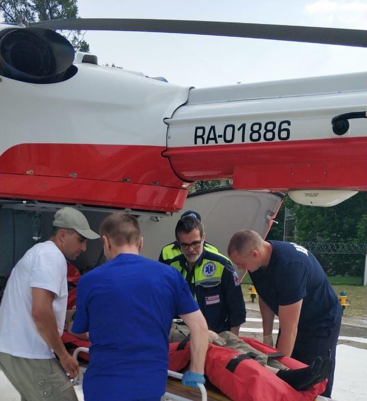 Вертолет эвакуировал пострадавшего в ДТП