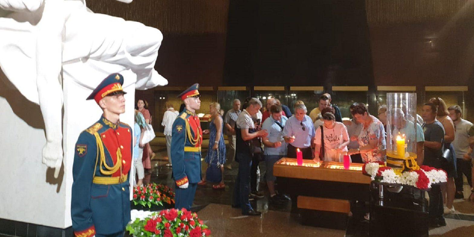 Московские спасатели приняли участие в акции «Свеча памяти»
