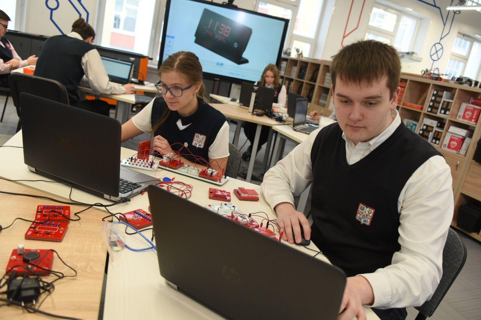 Учащиеся московских школ прошли тестирование в IT-классы