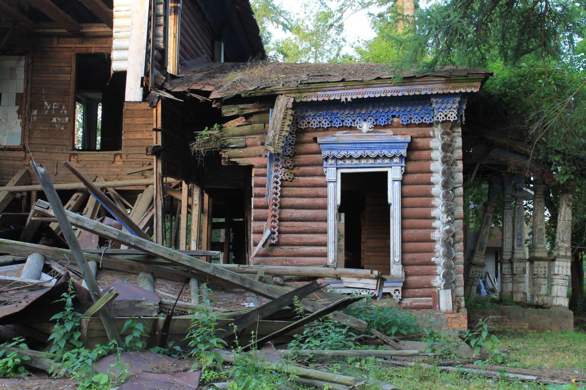 Резные рамы окон дома Павла Берга. Фото: Патимат Абдурахманова