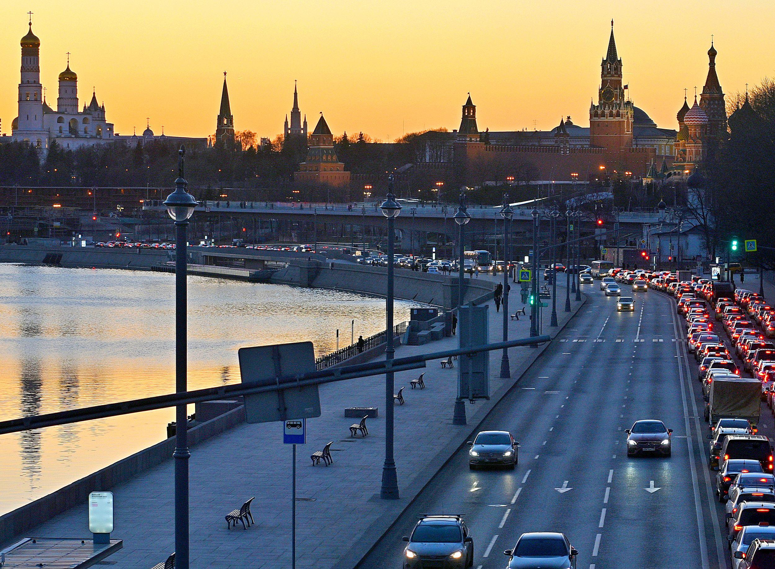 Москвичам показали топ-10 магистралей, загруженных перед выходными