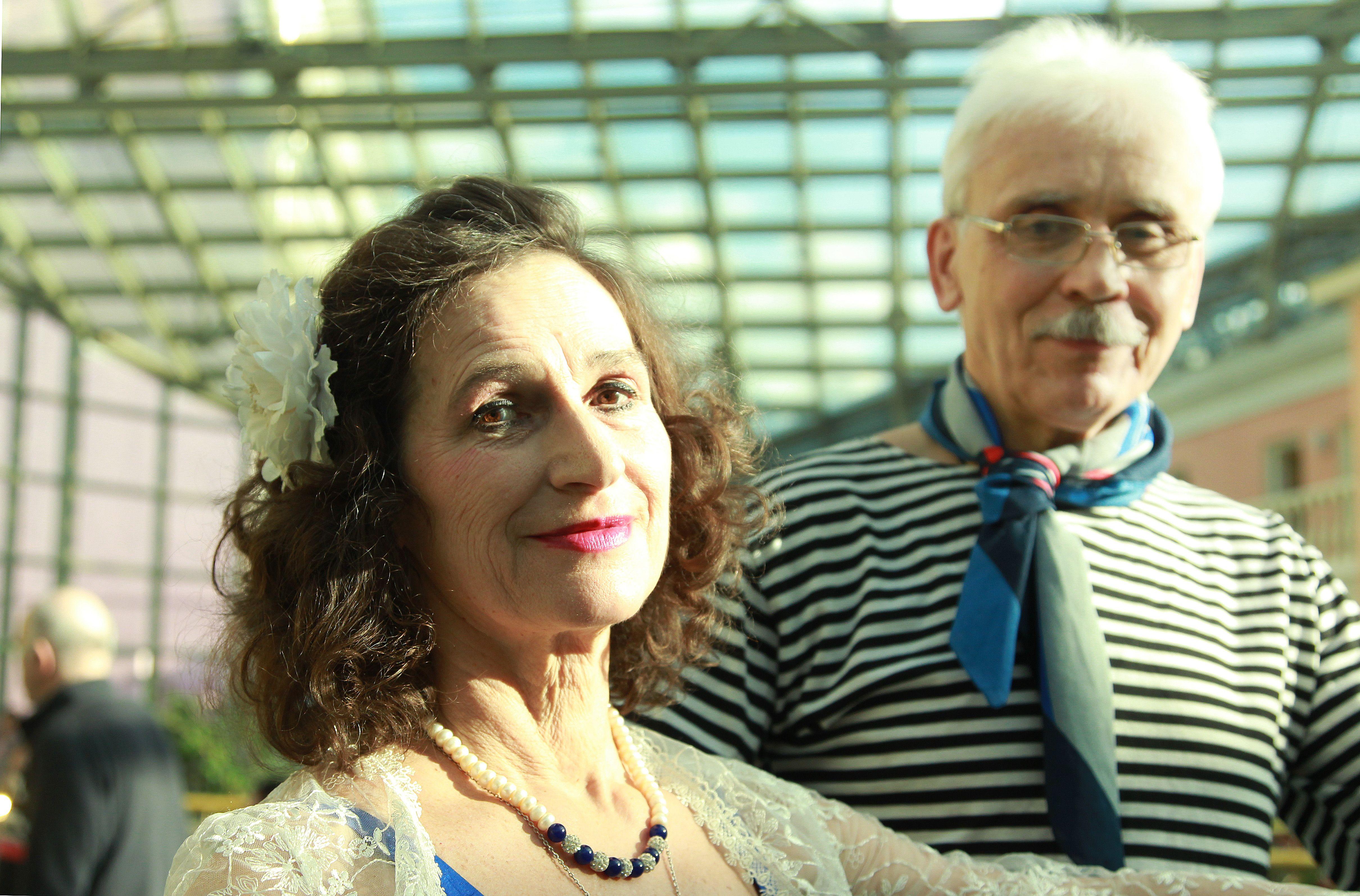 Семейные пары пригласили на праздник в Филимонковском. Фото: Наталия Нечаева, «Вечерняя Москва»