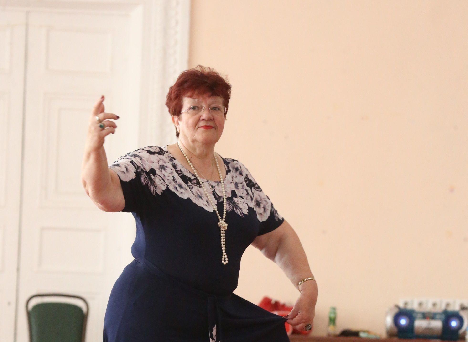 Наталья Болотова осваивает актерское мастерство в театральной студии Дворца культуры городского округа Щербинка. Фото: Виктор Хабаров