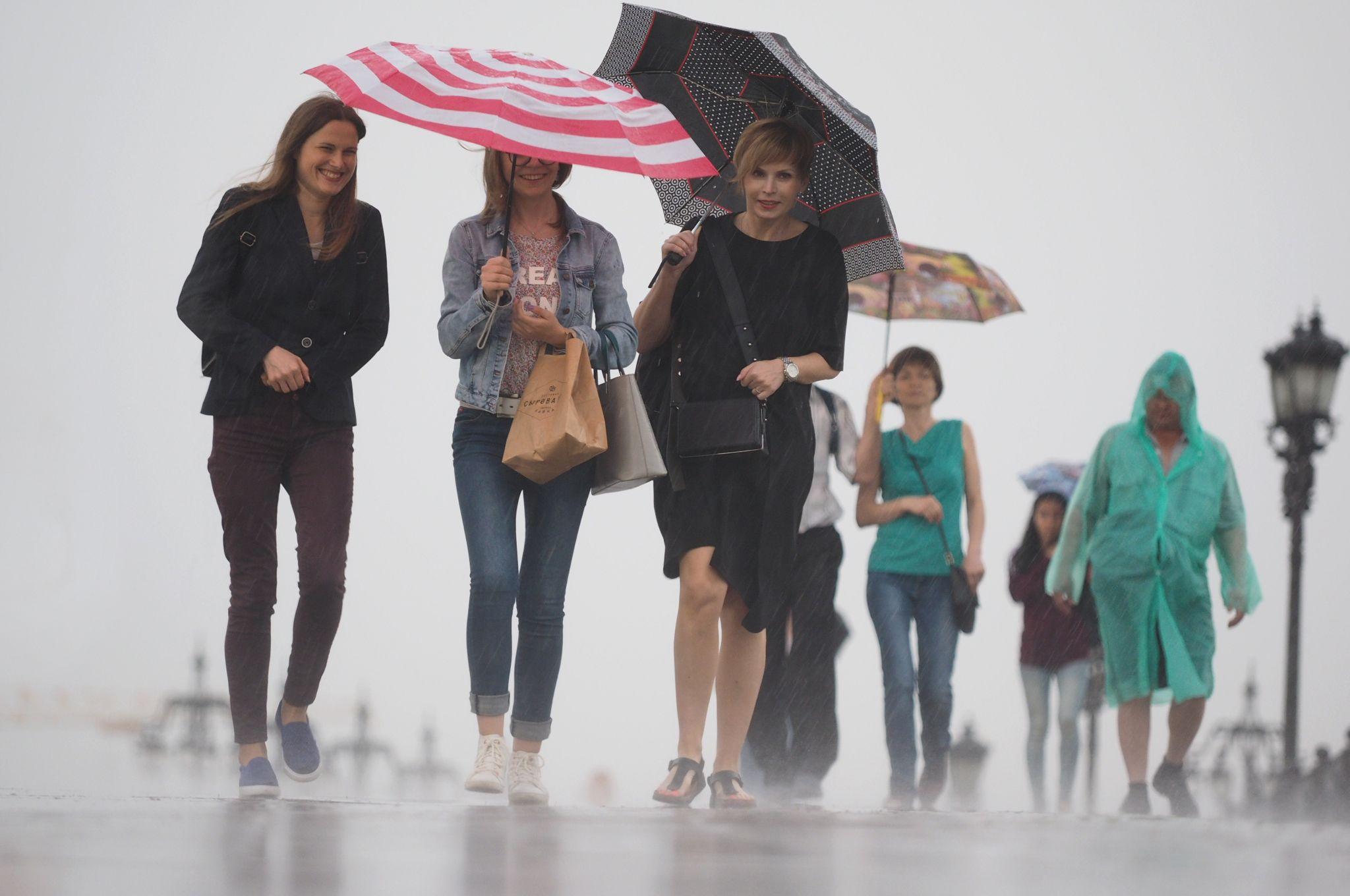 Жителей Москвы предупредили о затяжном дожде