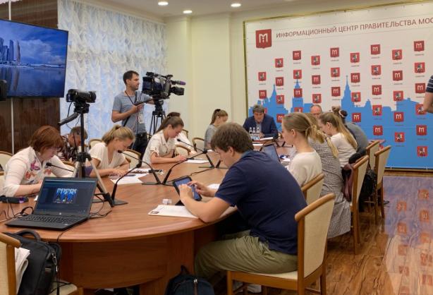 Пресс-конференцию о реализации адресной инвестиционной программы города провели в столице. Фото: Мария Карташова