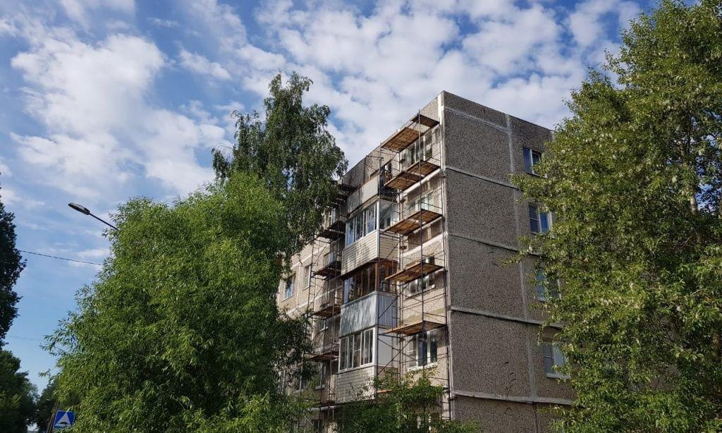 Капитальный ремонт дома начали в Кленовском