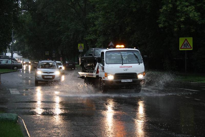 Водителей автомобилей призвали быть осторожными на дороге из-за непогоды