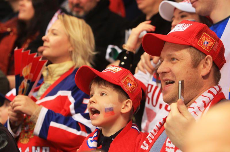 Спортсмены из Щербинки завершили тренировки к хоккейному сезону
