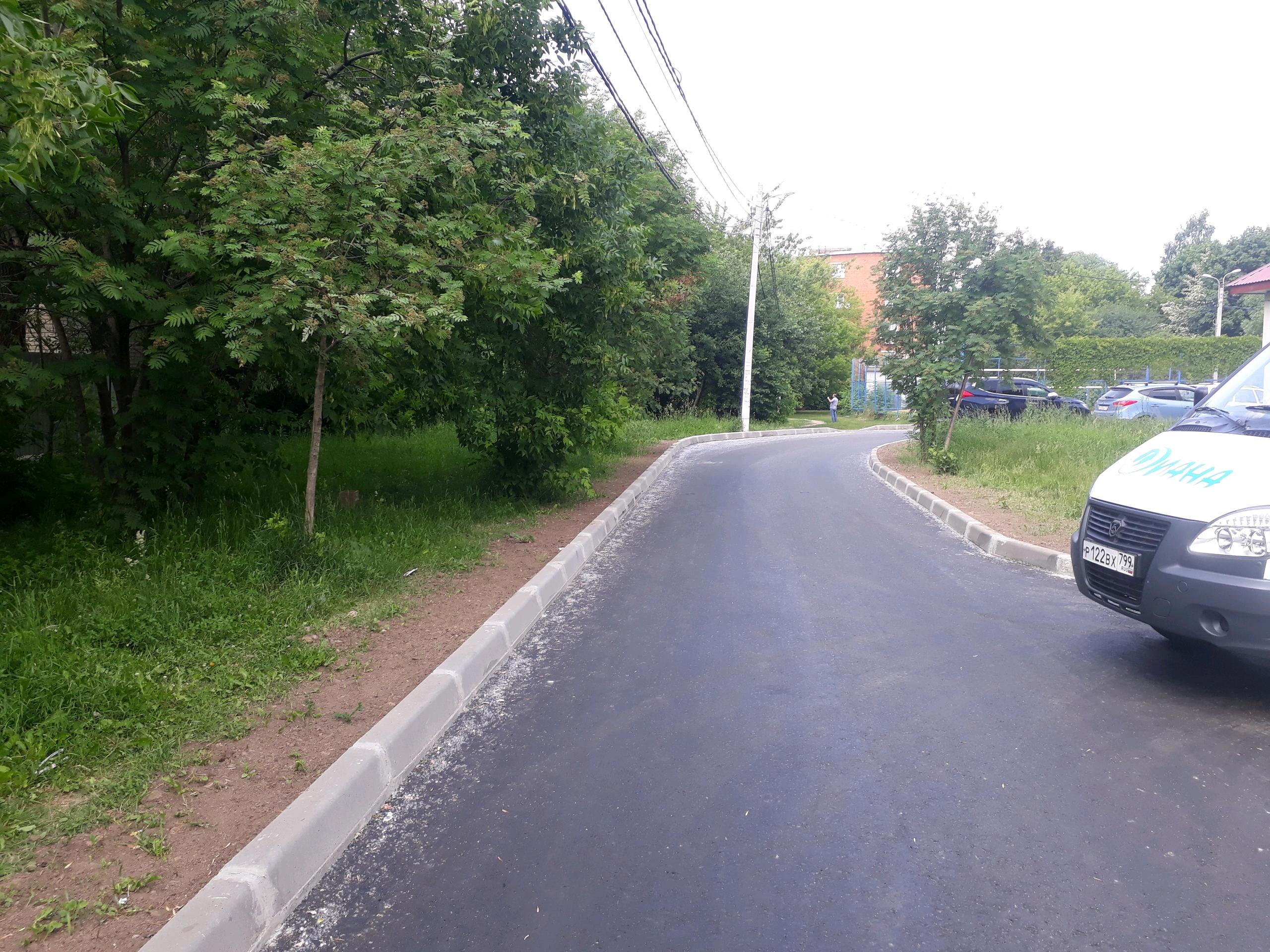 Специалисты отремонтировали дороги в Рязановском