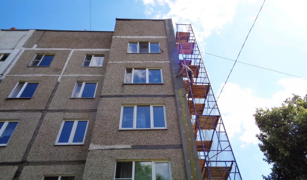 Торцевые стены в домах Рязановского утеплят