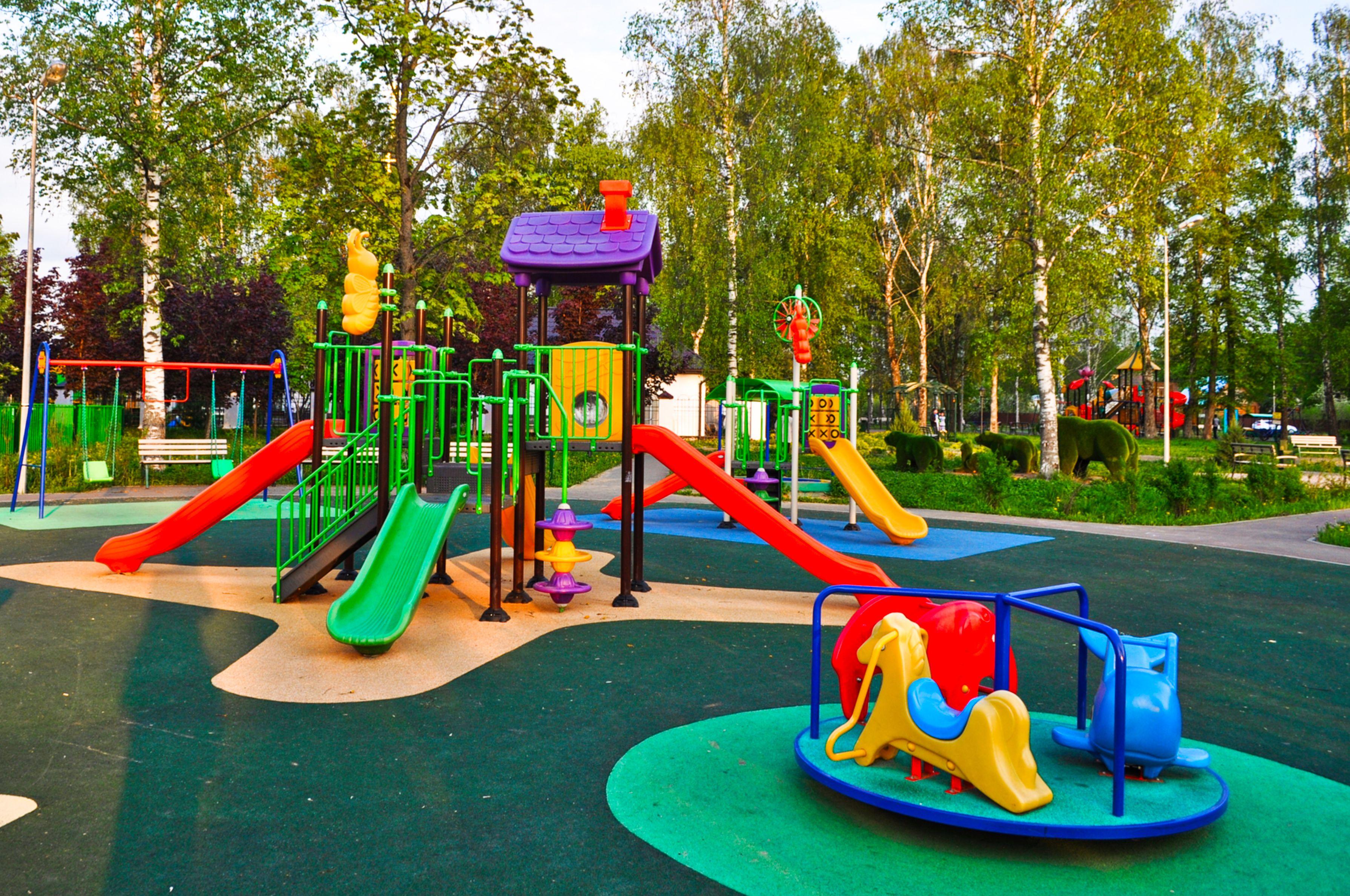 Детские площадки обустроили в Десеновском
