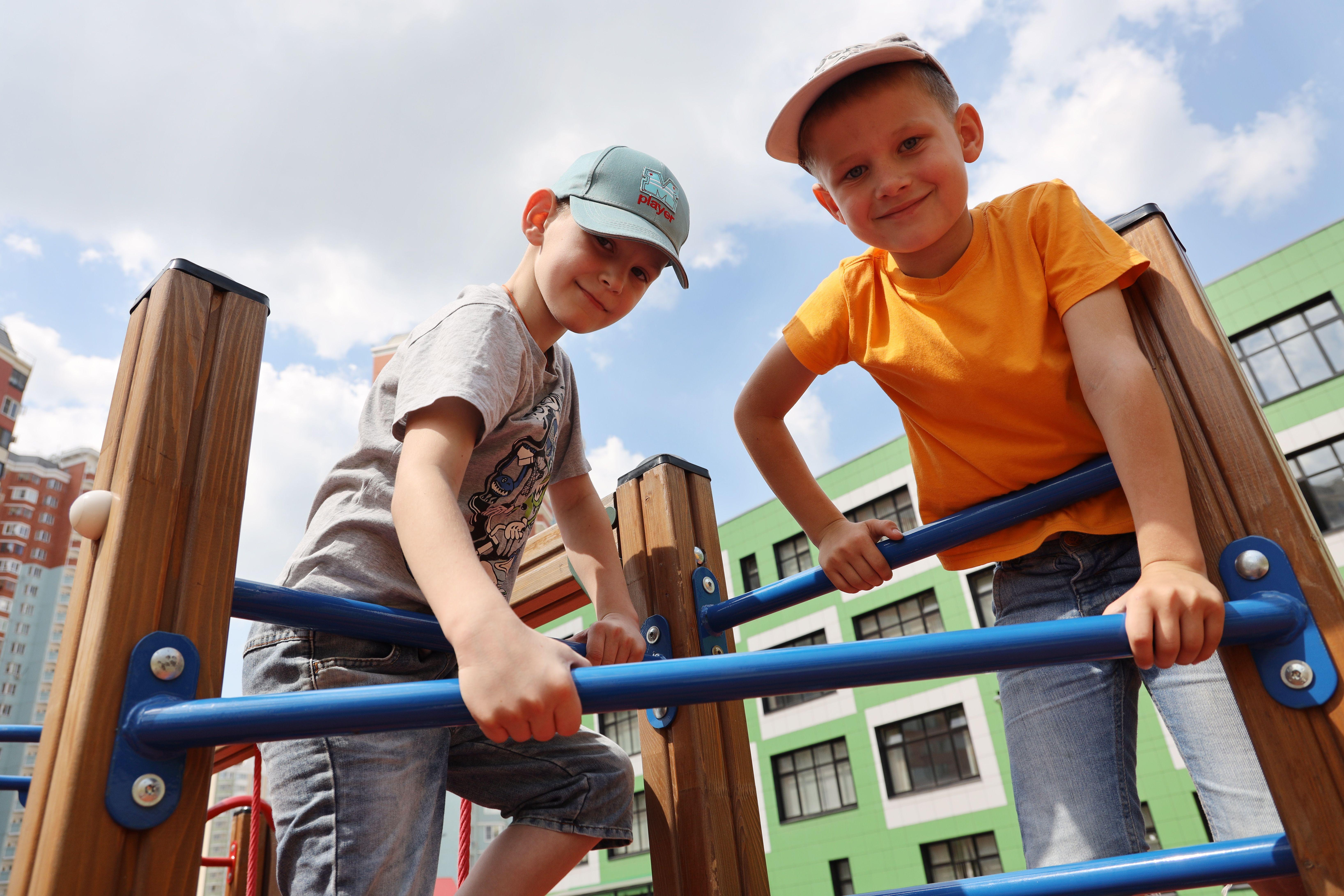 Детскую площадку обустроили в поселении Мосрентген