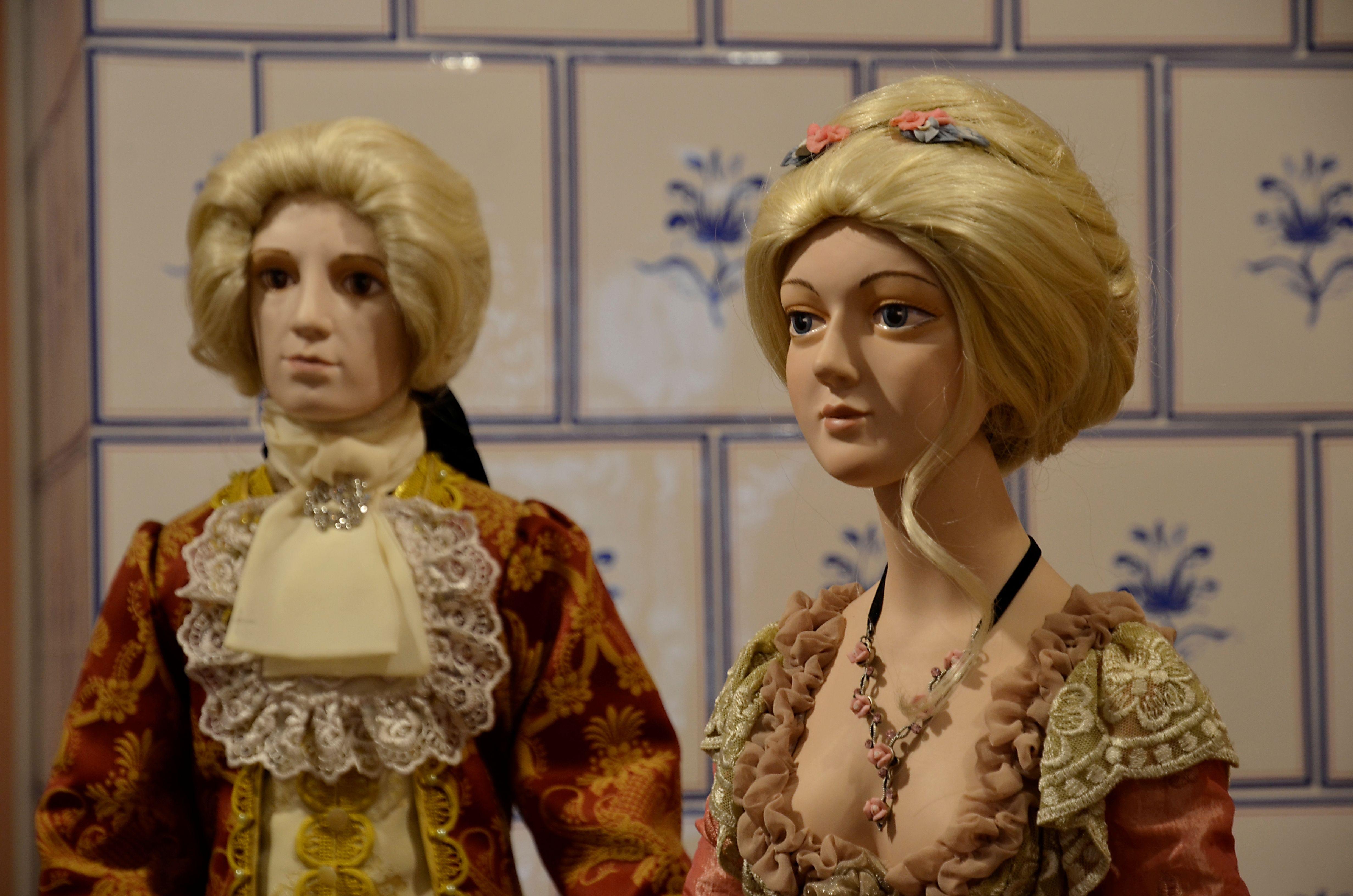 Созерцая — познавай: предпоказ выставки фарфоровых кукол прошел в Рязановском