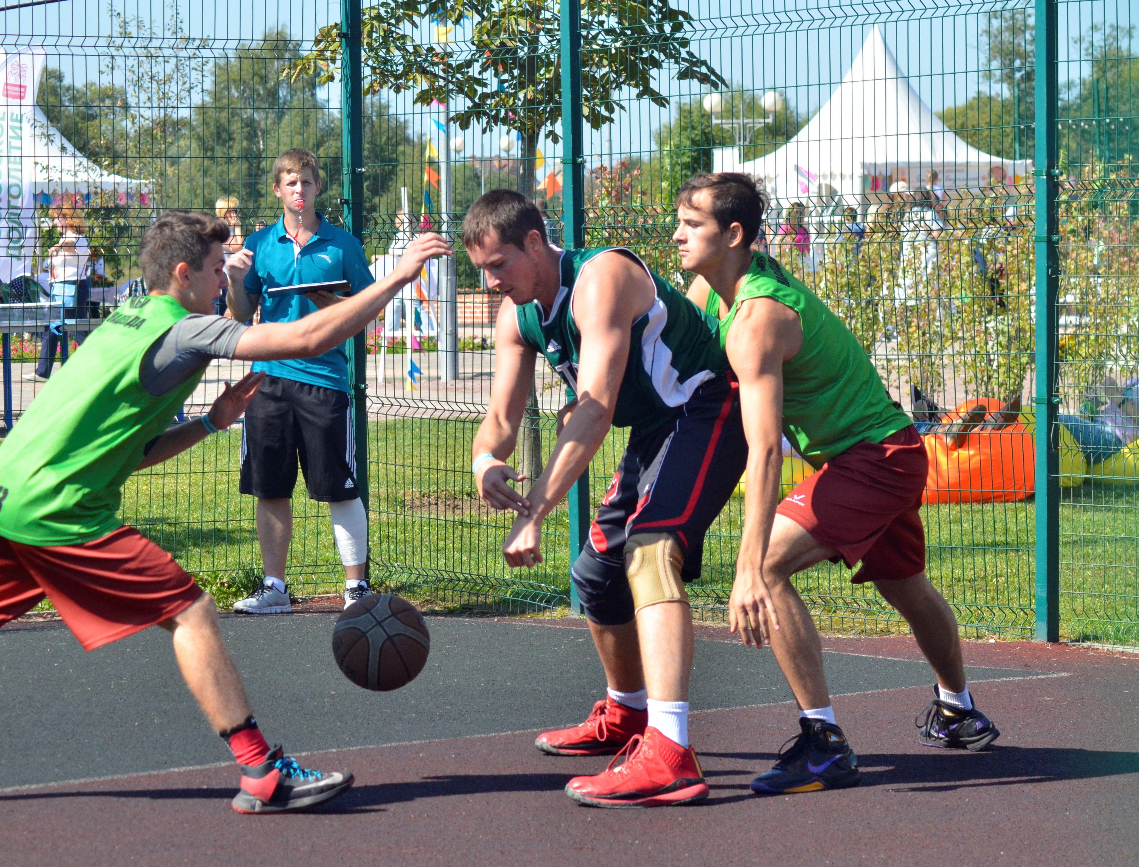 Спортсмены из Первомайского посостязаются в соревнованиях по стритболу