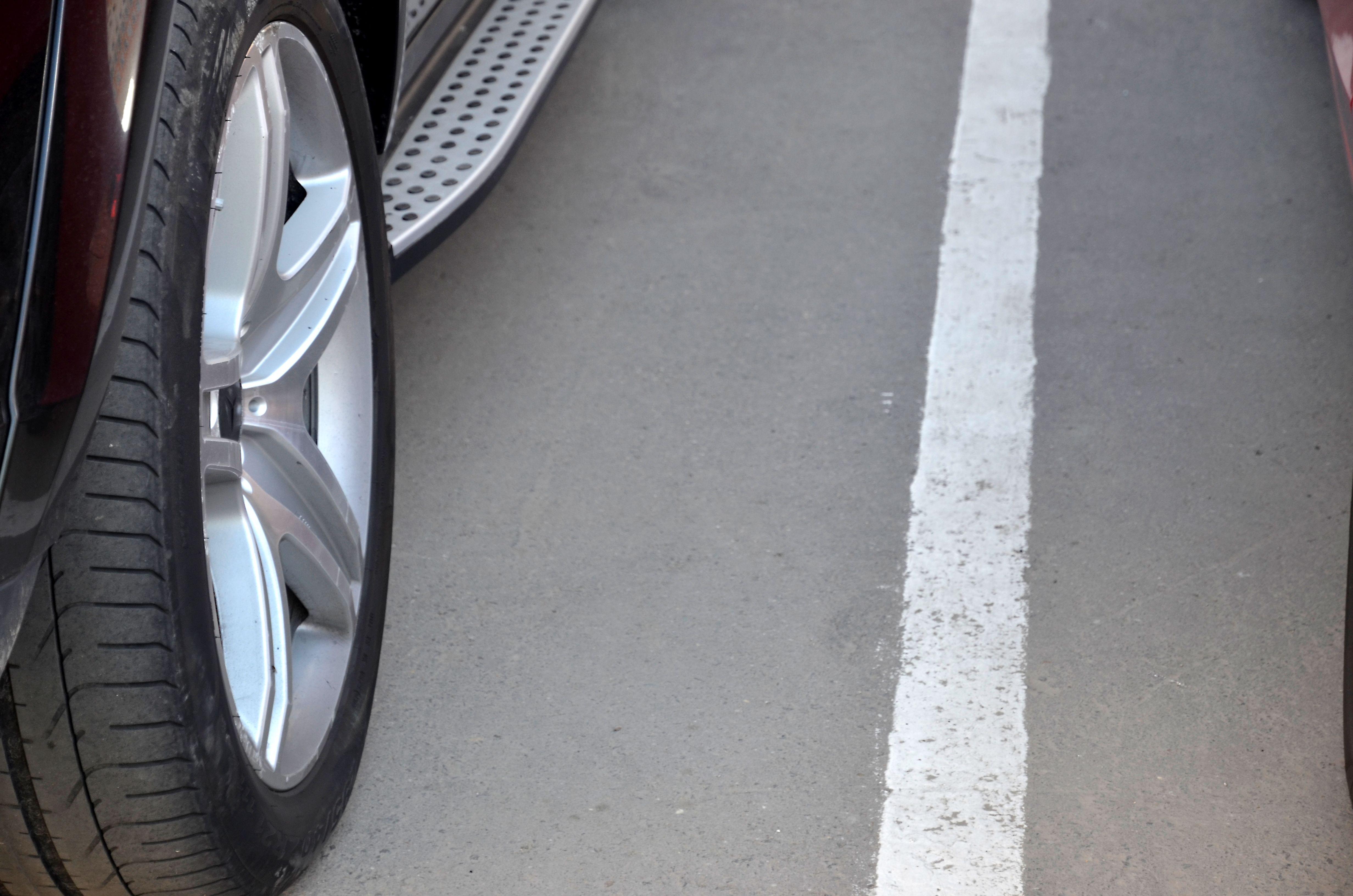 Парковочные карманы обустроили в Марушкинском