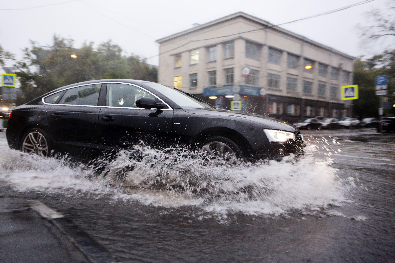 Половина месячной нормы осадков может выпасть в Москве за 1,5 дня