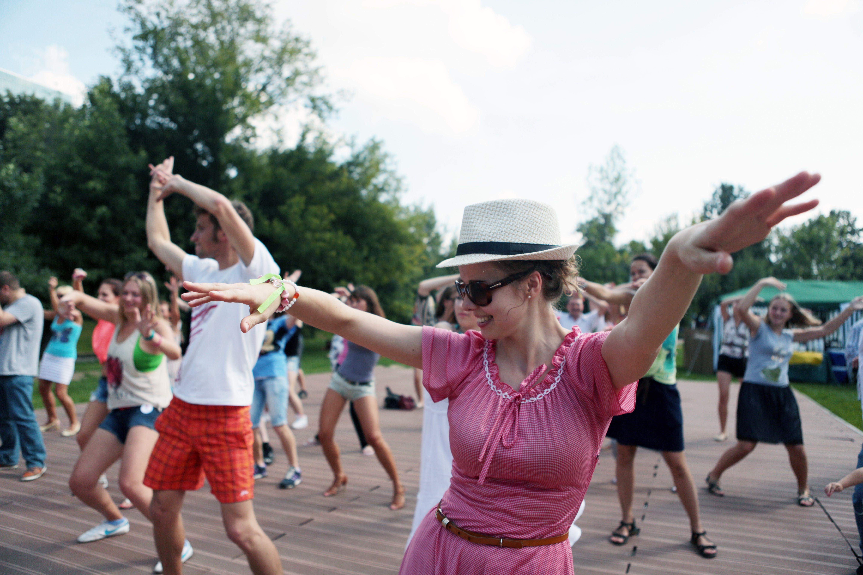 Сотни музыкальных выступлений пройдут в парках Москвы
