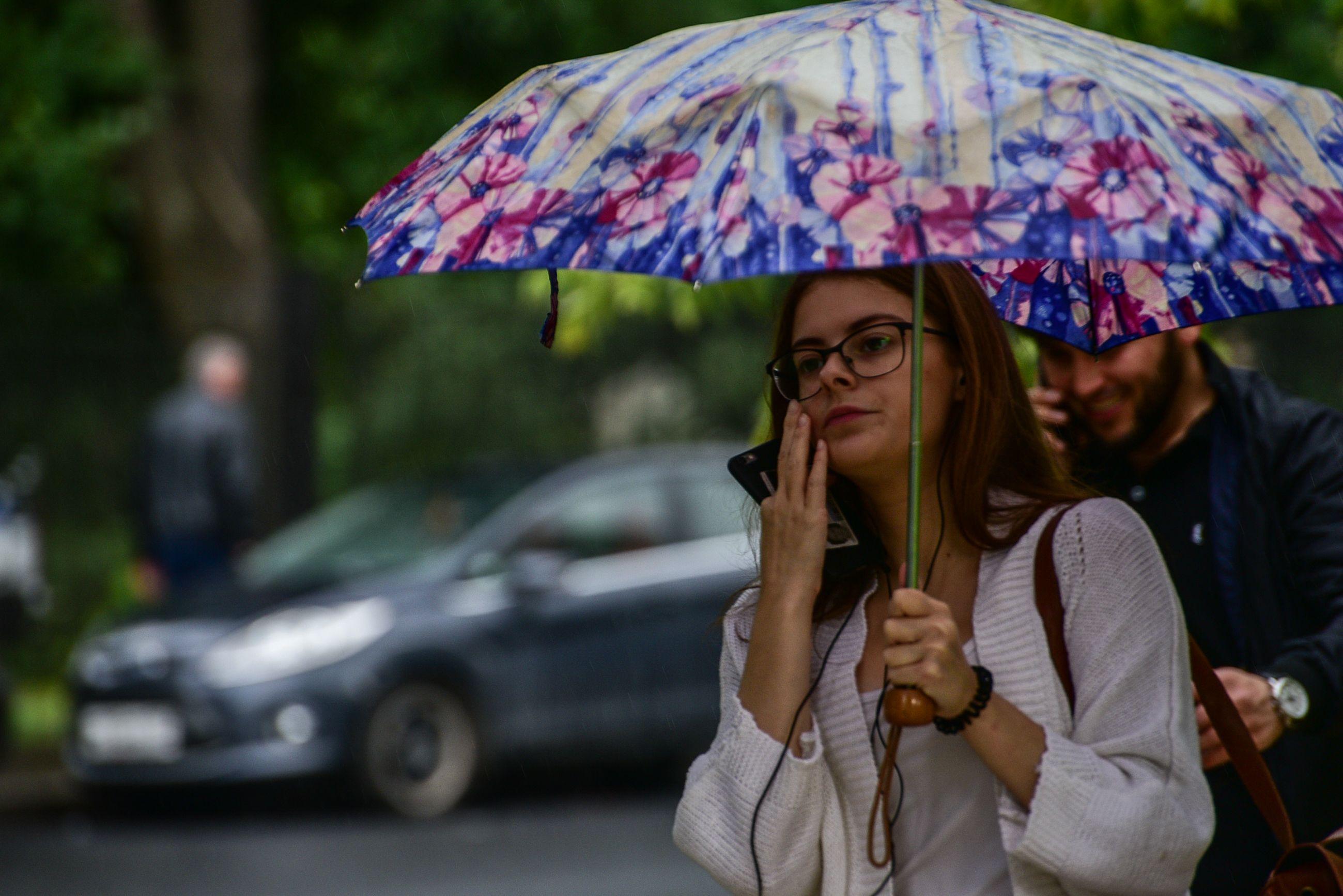 Москвичам пообещали дождливые выходные