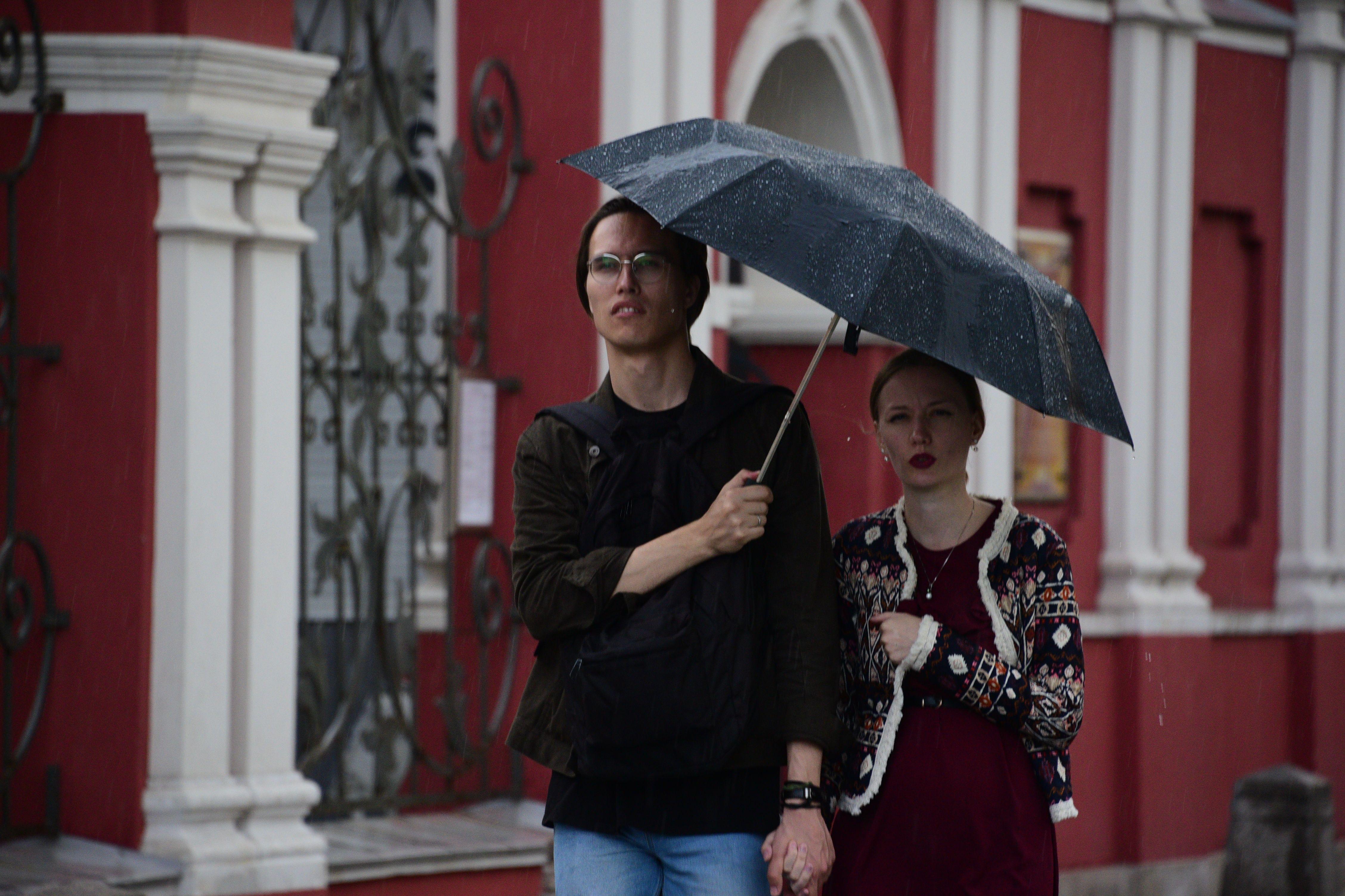 Москвичам пообещали дождливое воскресенье
