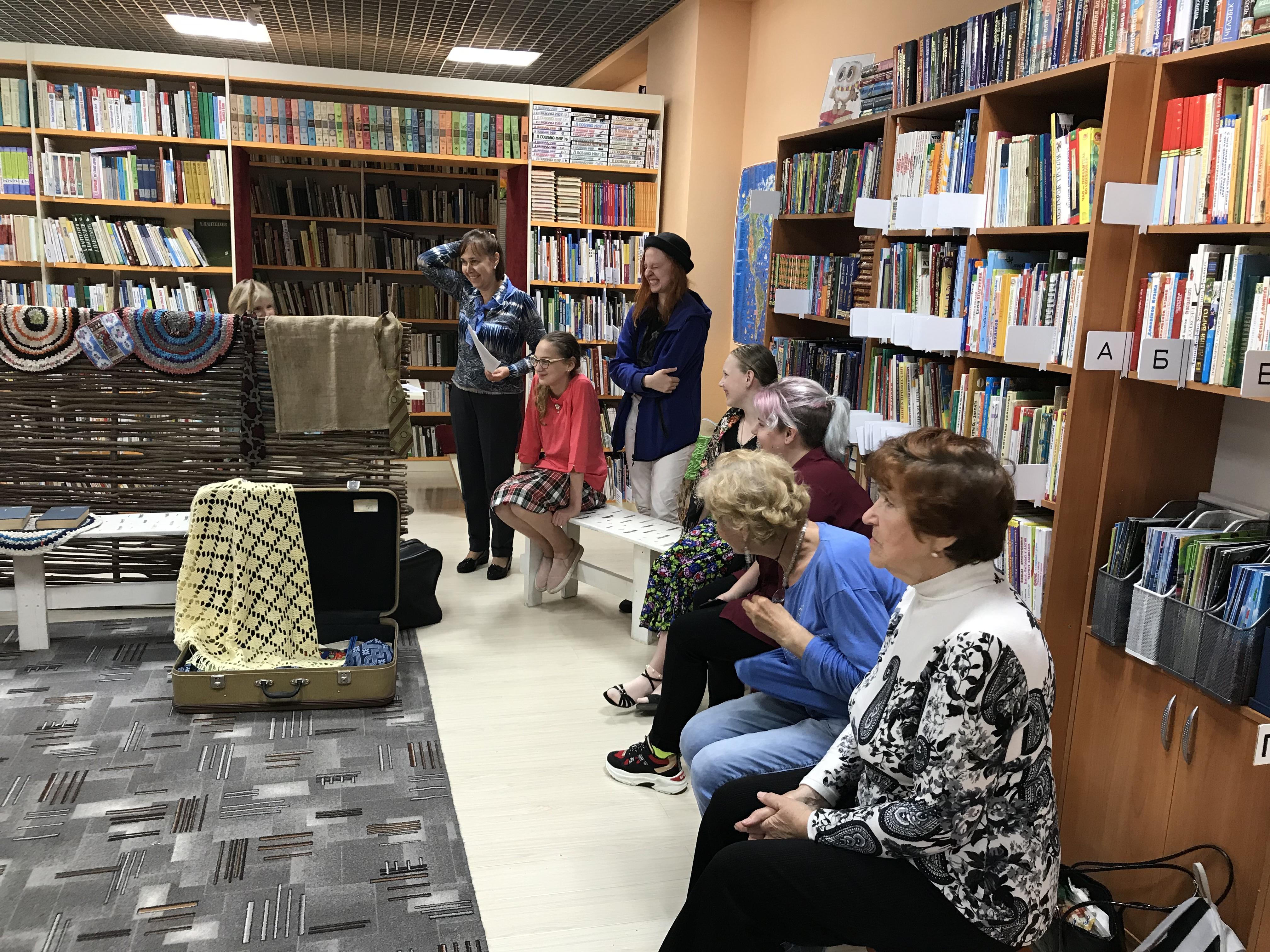 Книги писателя Василия Шукшина представили в библиотеке во Внуковском