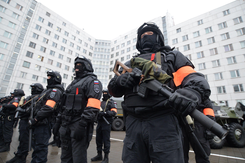 В Москве задержали трех преступников, легализовавших две тысячи мигрантов