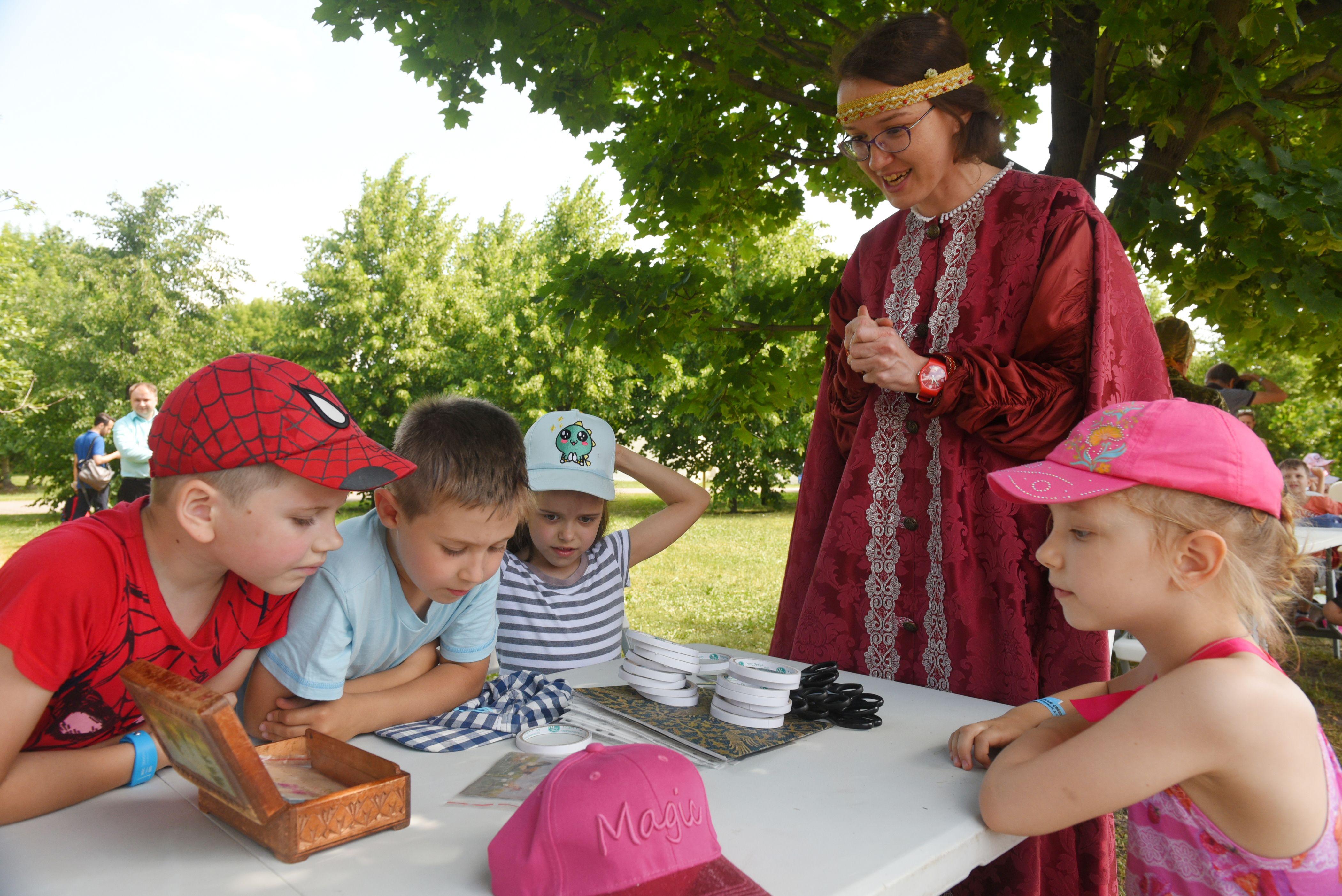 Парки Москвы подготовили бесплатные уроки предпринимательства для детей