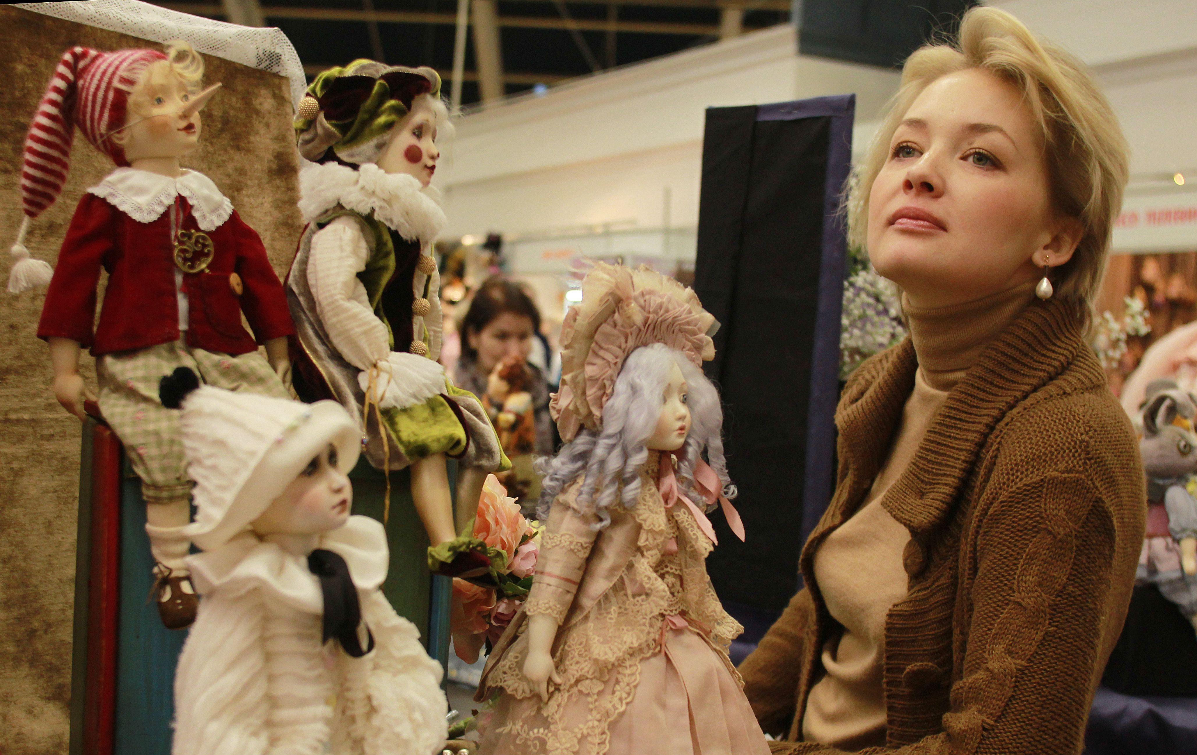 Жителей Краснопахорского научат изготавливать одежду для кукол